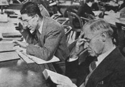 Kurt Eisemann im Lesesaal der New York Public Library