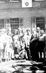 Mitglieder der sozialistisch-zionistischen Jugendbewegung Haschomer Hazair in Gabersee (Repros: nurinst-archiv)