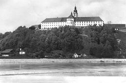 Im November 1946 verwandelte sich das Kloster Attel in ein jüdisches DP Camp (Bild: Stadtarchiv Wasserburg)