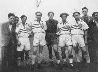 Fußballer aus dem Camp Zeilsheim (Foto: Privatarchiv S. Hofmann)